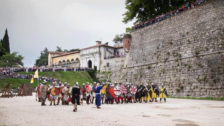 Rievocazione storica castello Confraternita del leone laura gatta (34)